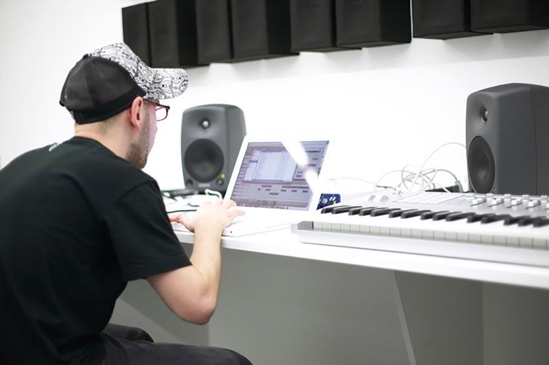 genelec_home_studio