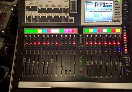 Allen & Heath GLD-80 with flightcase