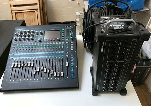 Allen & Heath QU-16 with AB 16/8 audiorack + 50m Cat6